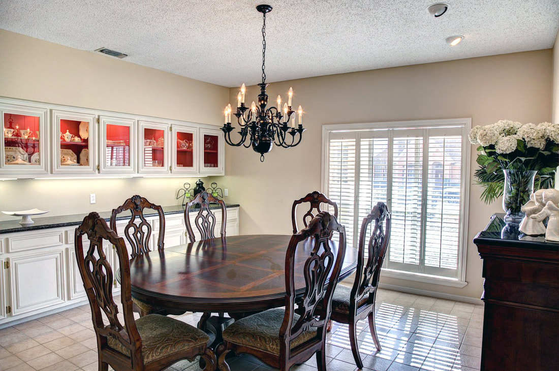 Accessible Dining Room Layout Picture